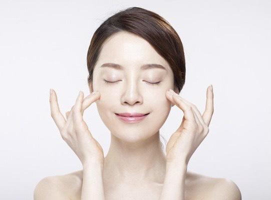 các bước skincare cho da mụn hình 3